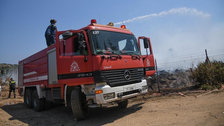 Φωτιά στην Αίγινα - Μεγάλη επιχείρηση της πυροσβεστικής