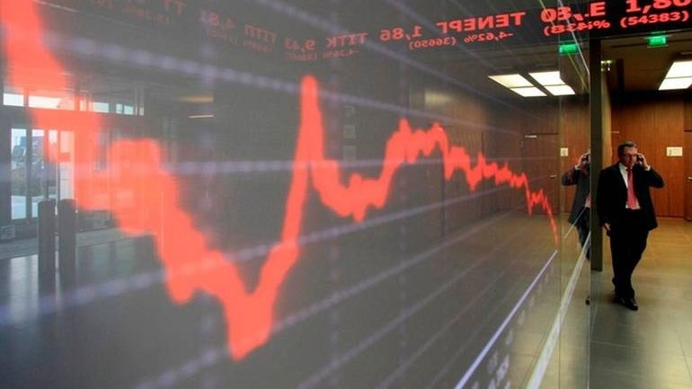 """Πτώση με τζίρο """"θερινών διακοπών"""" στο Χρηματιστήριο"""