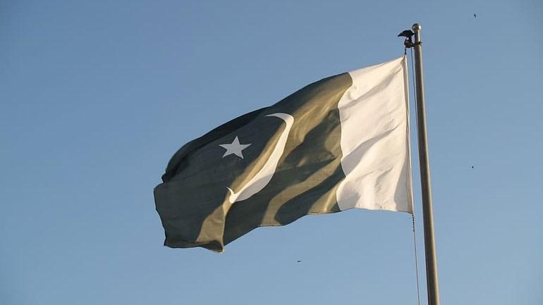Θετικός στον κορωνοϊό ο υπουργός Εξωτερικών του Πακιστάν