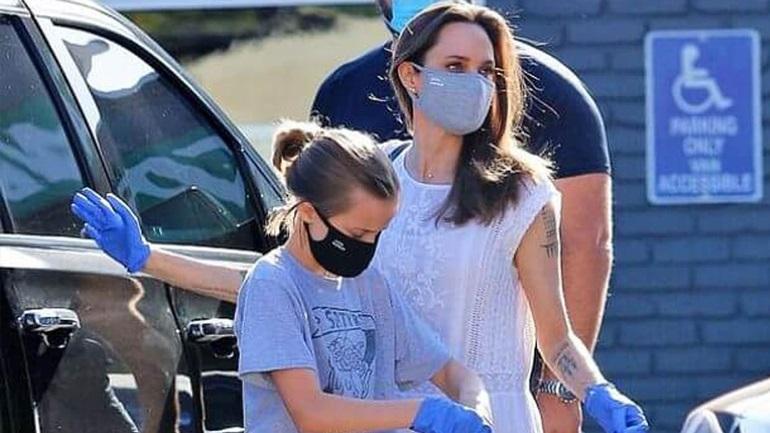 Angelina Jolie: Σπάνια δημόσια εμφάνιση με την κόρη της φορώντας μάσκες για τον κορωνοϊό