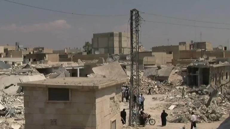 Συρία: Τουλάχιστον 50 νεκροί στις συγκρούσεις μεταξύ φιλοκυβερνητικών δυνάμεων και τζιχαντιστών
