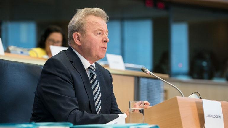 Τα μέτρα ενίσχυσης των αγροτών που επλήγησαν από την πανδημία περιγράφει ο αρμόδιος Ευρωπαίος επίτροπος