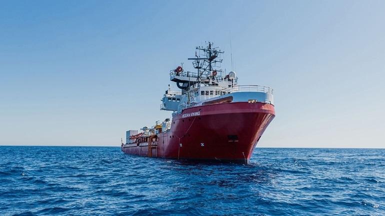Στη Σικελία οι 180 μετανάστες του Ocean Viking - Μπαίνουν σε καραντίνα
