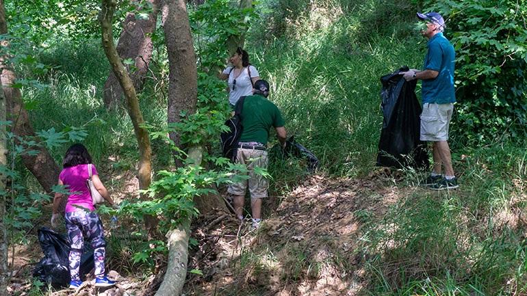 Εθελοντική δράση στο Ρέμα Χελιδονούς