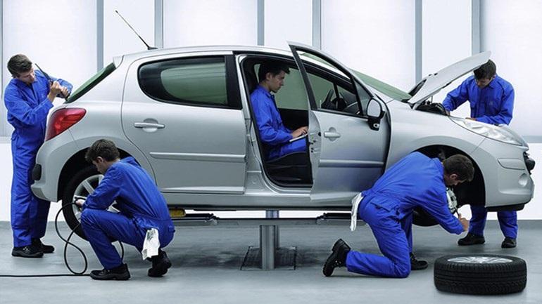 Εργοστασιακό service με 135 ευρώ για Peugeot ηλικίας άνω των 5 ετών