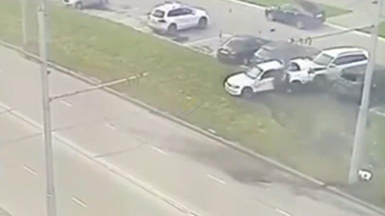 Κόπηκε στη μέση το αυτοκίνητο