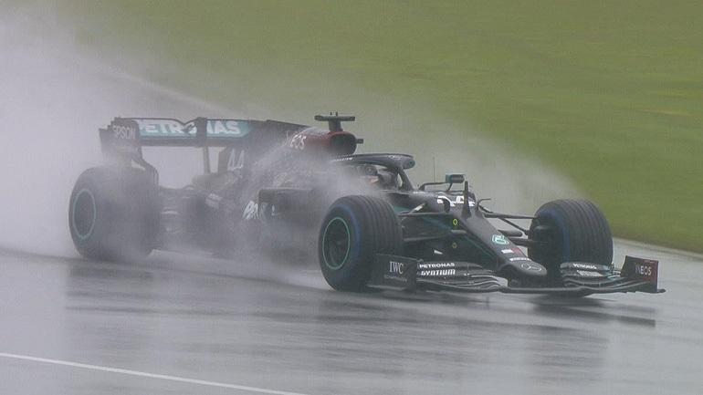 Formula 1: Με… ατελείωτη βροχή ο Hamilton κατέκτησε την Pole Position στην Αυστρία