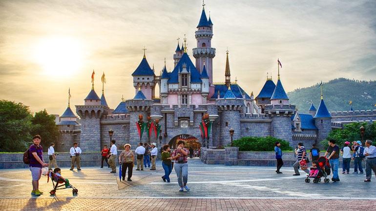 Η Disneyland στο Χονγκ Κονγκ κλείνει εκ νέου λόγω του COVID-19