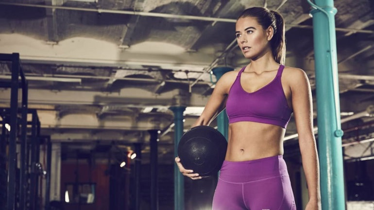 Αυτές είναι οι καλύτερες ασκήσεις για στητό στήθος
