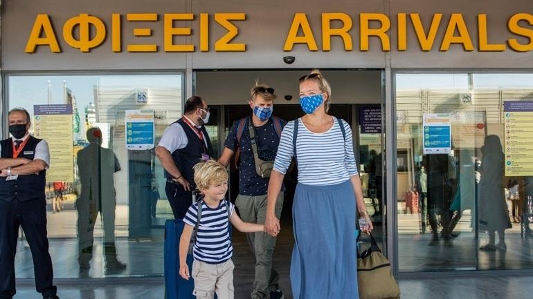 Κέρκυρα: Έφτασε η πρώτη πτήση από τη Μεγάλη Βρετανία με 90 επιβάτες