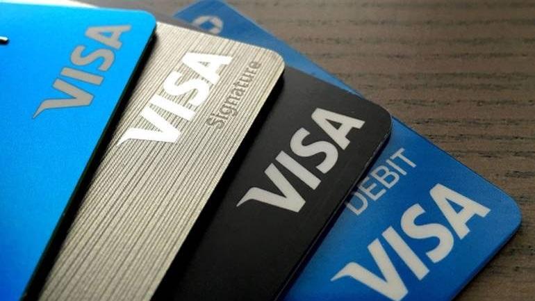Έρευνα Visa: H πληρωμή με μετρητά είναι ο πιο συνηθισμένος τρόπος αγοράς εισιτήριου