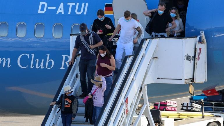 Πρόστιμο σε Γερμανούς τουρίστες που μπήκαν στην Ελλάδα χωρίς PLF