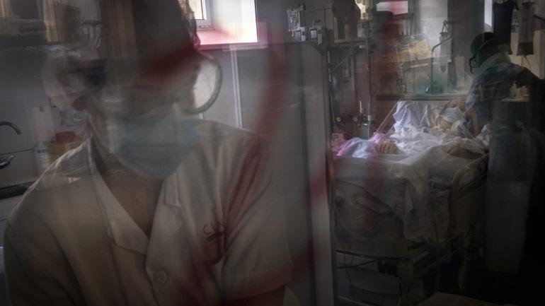 Κορωνοϊός: Ξεπέρασαν τα 18 εκατ. τα κρούσματα παγκοσμίως - Στους 687.941 οι νεκροί