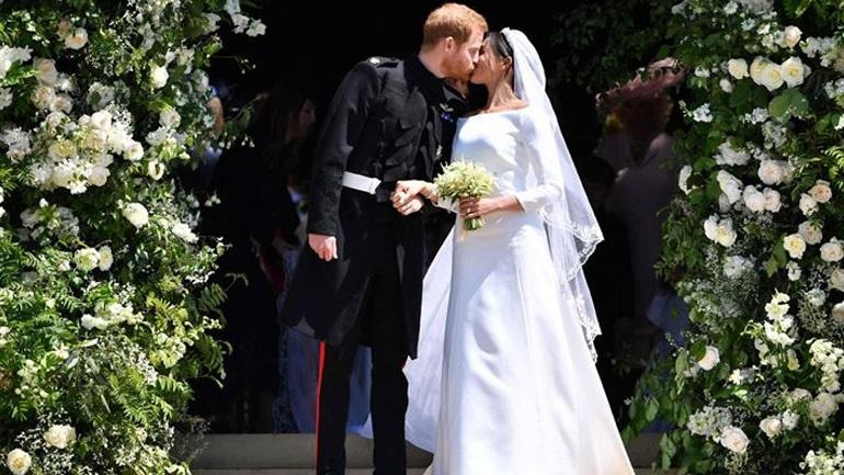 Κρυφές λεπτομέρειες από τον γάμο της Meghan και του Harry στη νέα βιογραφία των Sussexes
