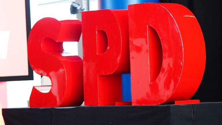 Γερμανία: Παραιτήθηκε ο επικεφαλής της Νεολαίας του SPD - Θα θέσει υποψηφιότητα για την Bundestag το 2021
