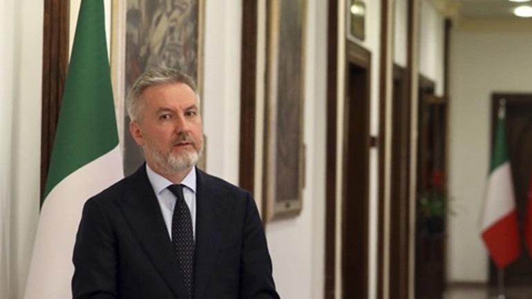 Στη Λιβύη ο Ιταλός υπουργός Άμυνας για συνομιλίες με τον Σάρατζ