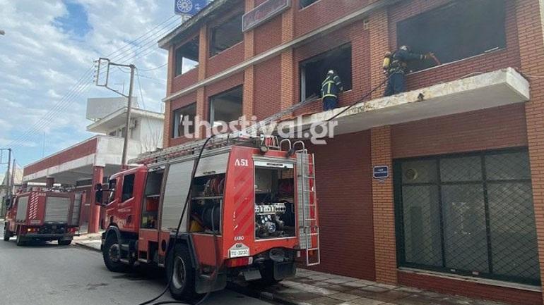 Θεσσαλονίκη: Φωτιά σε εγκαταλελειμμένο κτήριο στο Κορδελιό