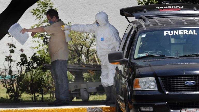 Covid-19: 794 νέοι θάνατοι και 6.717 νέα κρούσματα στο Μεξικό