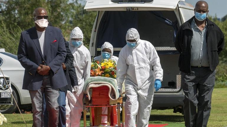 Covid-19: Περισσότεροι από 10.000 θάνατοι στη Νότια Αφρική