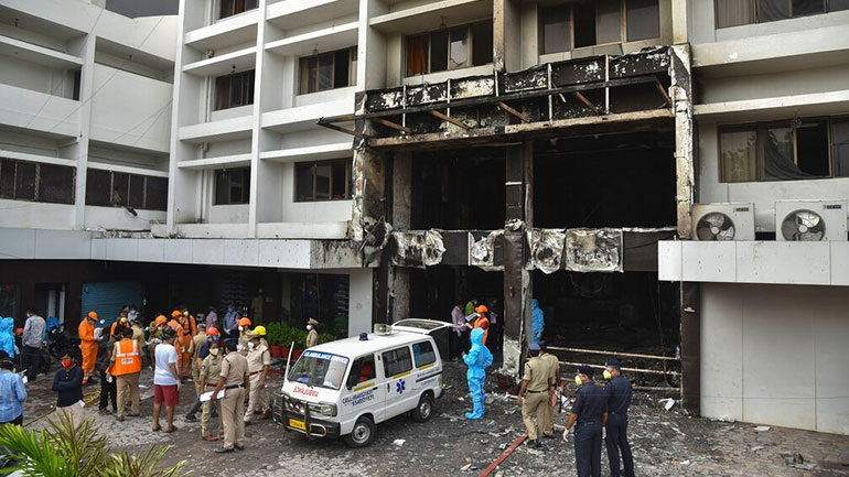 Ινδία: Επτά νεκροί έπειτα από πυρκαγιά σε ξενοδοχείο φιλοξενίας ασθενών με Covid-19