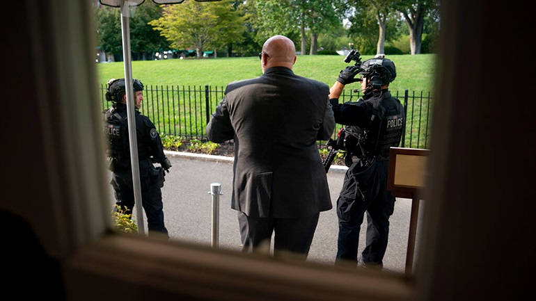 Πυροβολισμοί κοντά στον Λευκό Οίκο - Διεκόπη η συνέντευξη Τύπου του Τραμπ