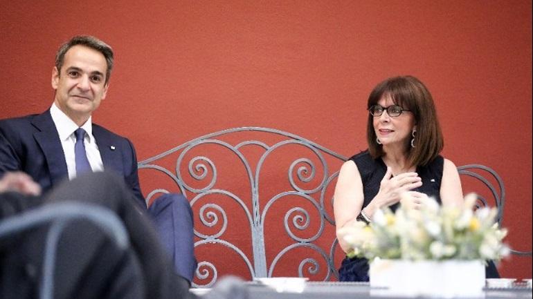Ο Μητσοτάκης ενημέρωσε την Πρόεδρο της Δημοκρατίας για τις εξελίξεις στην Ανατολική Μεσόγειο