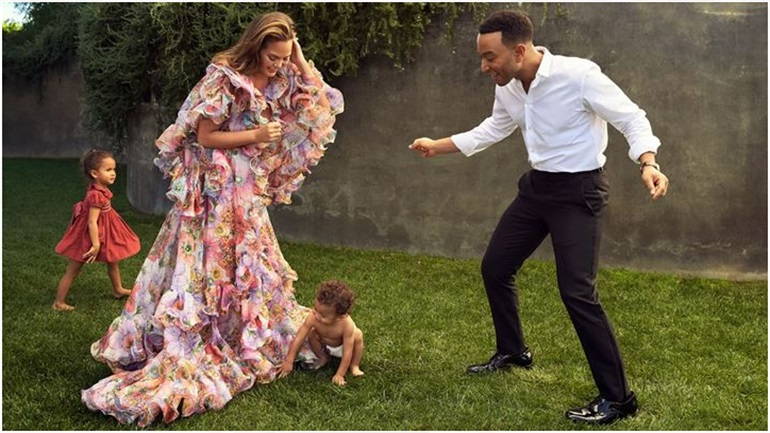 Baby Boom! Η Chrissy Teigen περιμένει το τρίτο της παιδί με τον John Legend