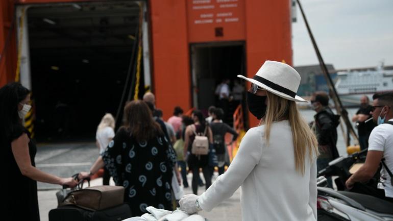 Σε απομόνωση τρεις ταξιδιώτες από Πάτμο-Ενημερώθηκε ο εισαγγελέας