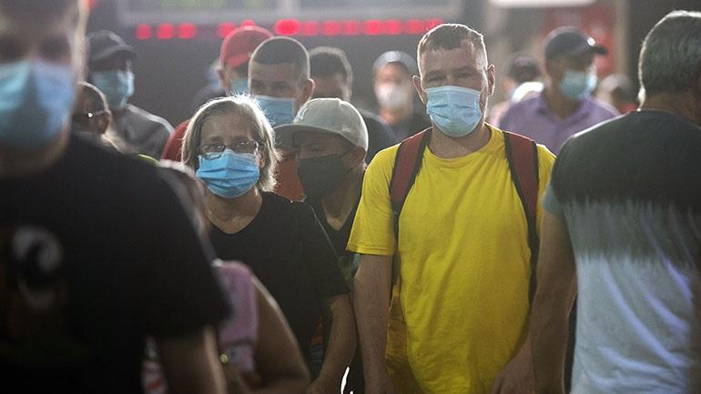 Ολλανδία: Το Άμστερνταμ καταργεί την υποχρεωτική χρήση μάσκας στους δημόσιους χώρους