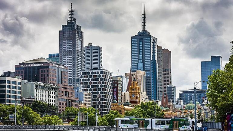 Αυστραλία: Σε ύφεση η οικονομία μετά από 30 χρόνια συνεχούς ανάπτυξης