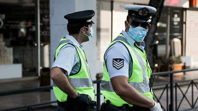 Συνολικά 240 νέες παραβάσεις για μη χρήση μάσκας προέκυψαν από τους ελέγχους της ΕΛ.ΑΣ.
