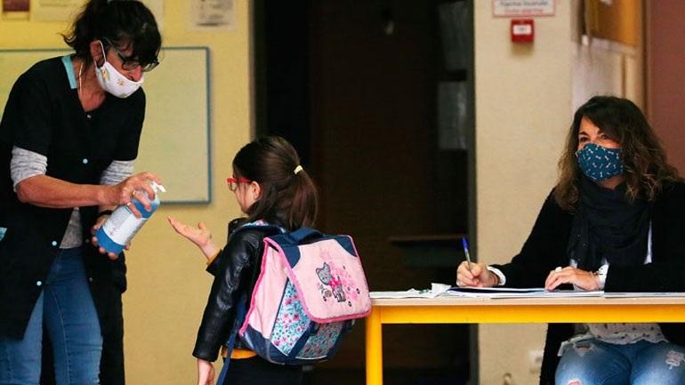 Έλεγχοι για την ποιότητα των μασκών που αποστέλλονται στα σχολεία
