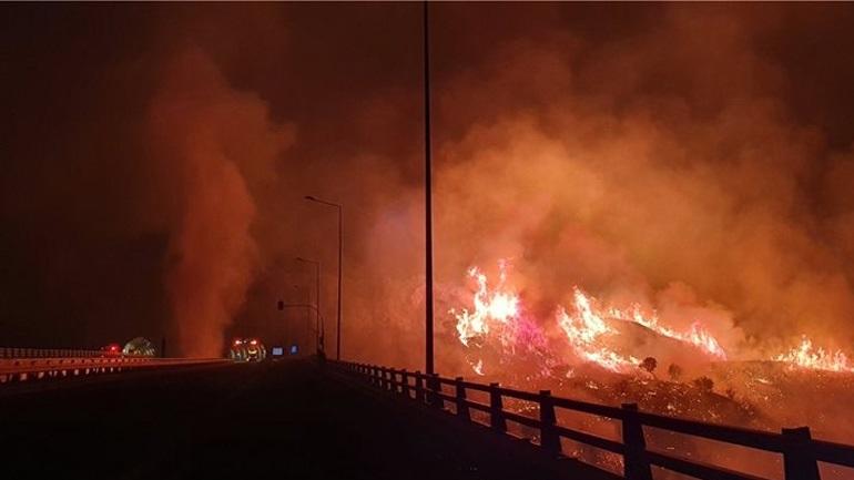 Σε εξέλιξη η πυρκαγιά περιμετρικά της Πάτρας