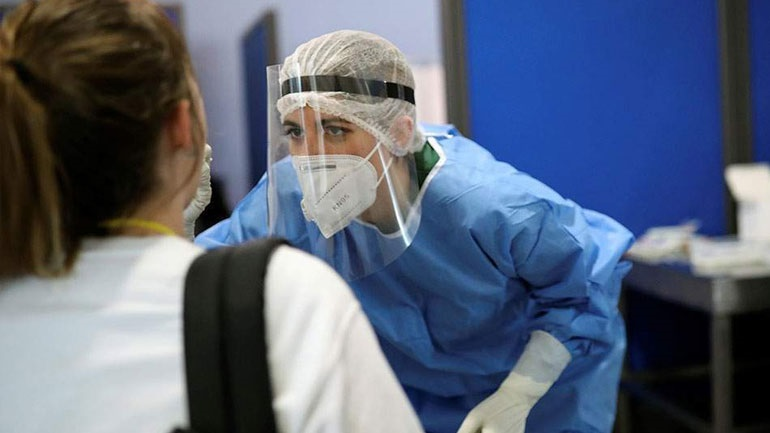 Έντεκα κρούσματα κορωνοϊού σε εργοστάσιο στο Κορωπί