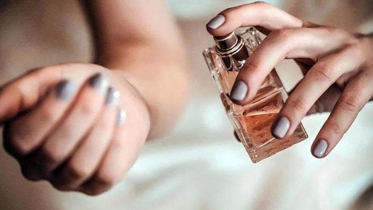 Σε ποια σημεία του σώματός μας το άρωμα διαρκεί περισσότερο;