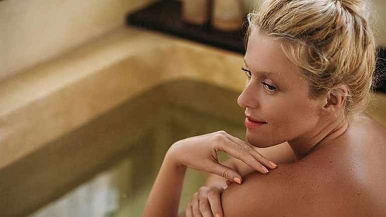 DIY: Φτιάξτε χαλαρωτικά άλατα για το μπάνιο σας
