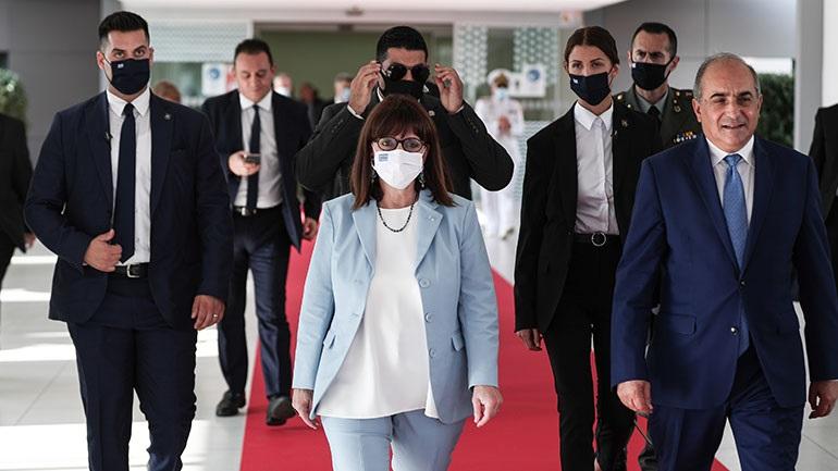 Κύπρο: Συναντήσεις με την πολιτική και στρατιωτική ηγεσία της χώρας έχει η Κατερίνα Σακελλαροπούλου