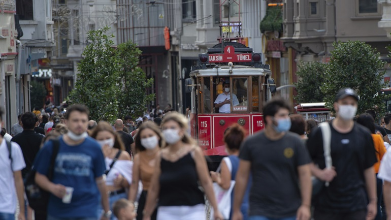 Covid-19: 65 νέοι θάνατοι και 1.692 νέα κρούσματα στην Τουρκία