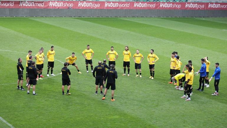 Europa League: Ψάχνει την πρόκριση στην Ελβετία η ΑΕΚ