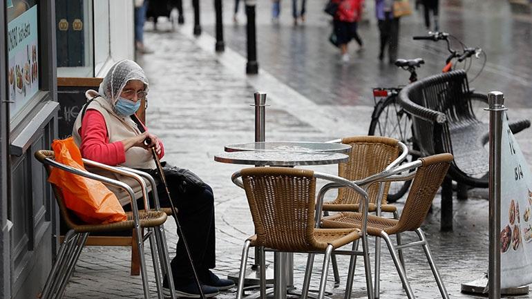 Πολωνία: Νέα ημερήσια αύξηση ρεκόρ των νέων κρουσμάτων κορωνοϊού