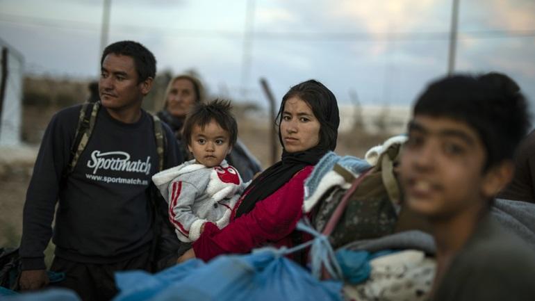 Επιπλέον 13 γραφεία διαβατηρίων για την εξυπηρέτηση των προσφύγων