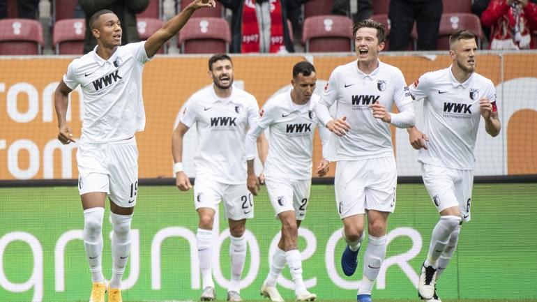 Η Άουγκσμπουργκ νίκησε 2-0 τη Ντόρτμουντ, ντεμπούτο με ήττα για Λημνιό