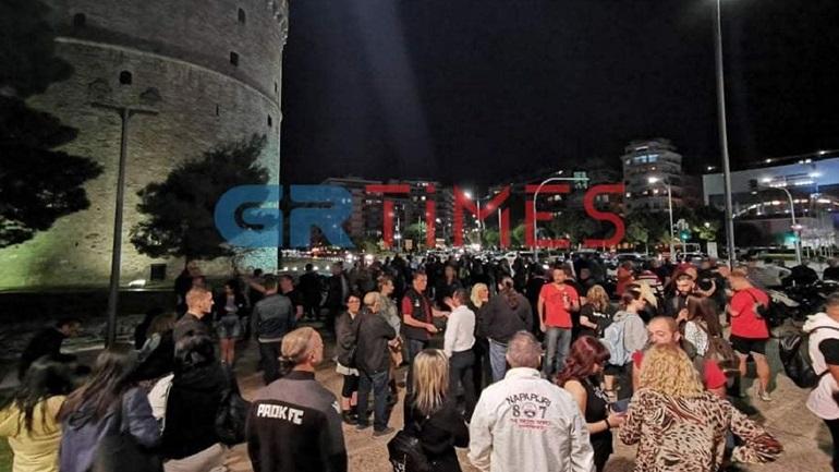 Μεταμεσονύχτια διαμαρτυρία εστιατόρων στον Λευκό Πύργο