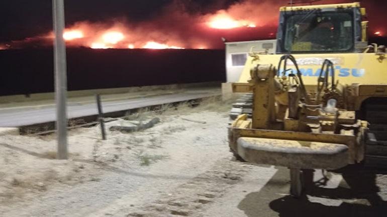Μεγάλη φωτιά στη χωματερή στον δήμο Φυλής