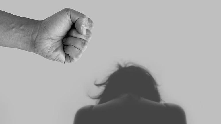 Έρευνα για την ενδοοικογενειακή βία λόγω Covid-19 - Έκκληση για συμμετοχή των γυναικών άνω των 16 ετών