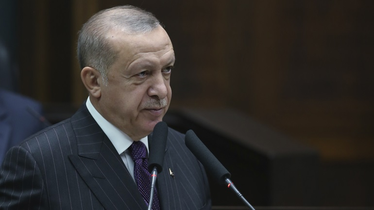 Ο Ερντογάν αμφισβητεί τη συμφωνία κατάπαυσης του πυρός στη Λιβύη