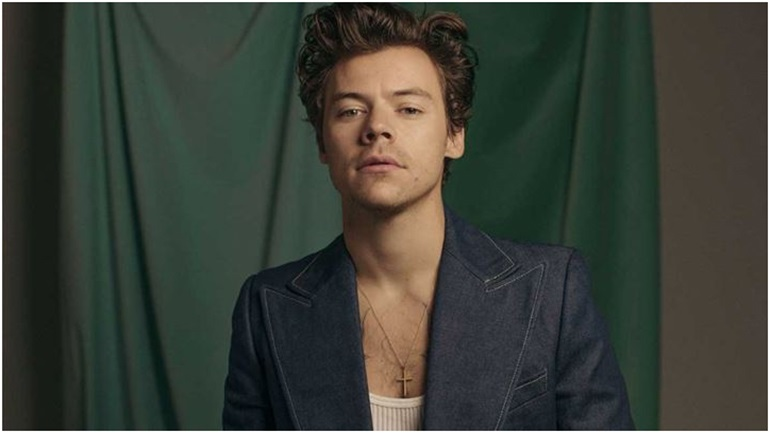 Golden: Κυκλοφόρησε το νέο videoclip του Harry Styles