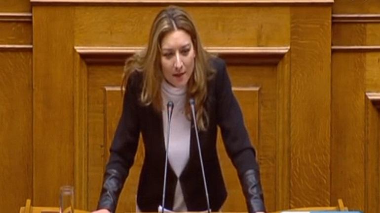 Γκαρά: «Ανήμερα της εθνικής μας επετείου επέλεξε ο κ. Πέτσας να βγάλει 2 εκατ. ευρώ για τα ΜΜΕ»