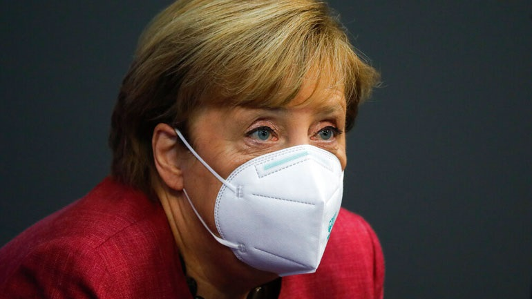 Politico: Η Μέρκελ κάλεσε τους ηγέτες της ΕΕ να προχωρήσουν άμεσα σε lockdown