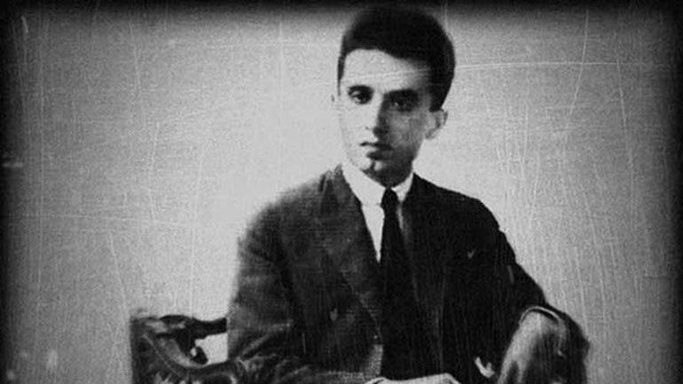 Σαν σήμερα γεννήθηκε ο Κώστας Καρυωτάκης